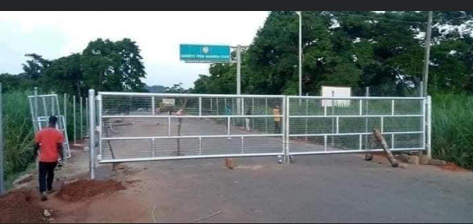 Chaos as Anambra puts iron barrier at Niger Bridgehead