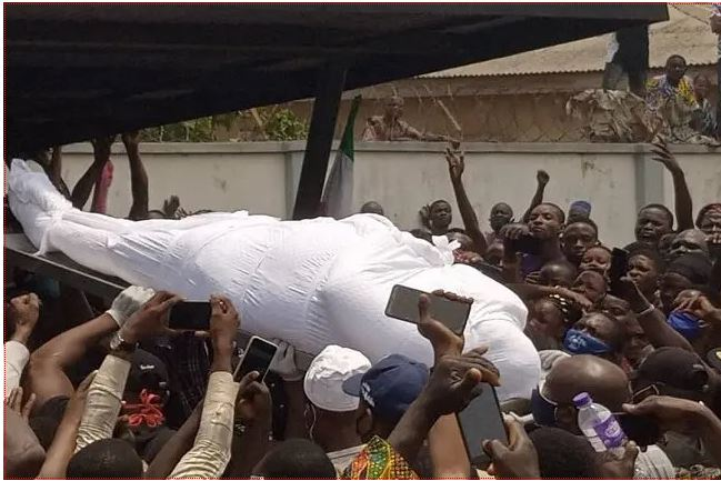 Top Politicians showers tribute as Buruji Kashamu laid to rest in Ijebu-Igbo