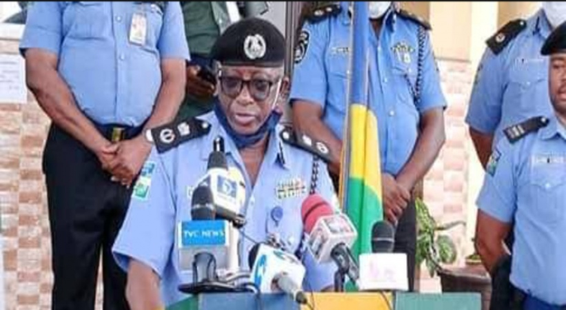 Shameful Act: Police Officer caught during robbery operation