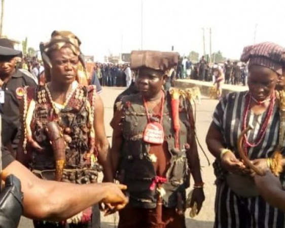Local Hunters in Kogi overpower kidnappers; arrest 6, free 19 victims