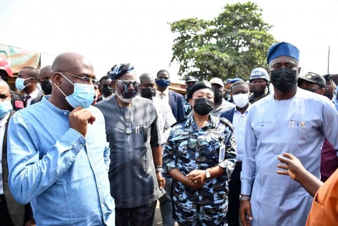 Makinde, Akeredolu sue for peace in Shasa community area of Ibadan