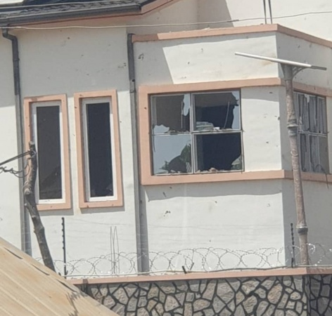 Angry youths destroy Niger State deputy governor's house over market demolition