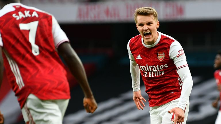 Arsenal crush Tottenham 2-1 in North London derby