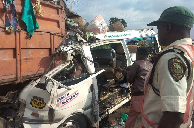 Lagos-Ibadan Exp: 25-Seater Bus ram into a stationed truck, killed 13